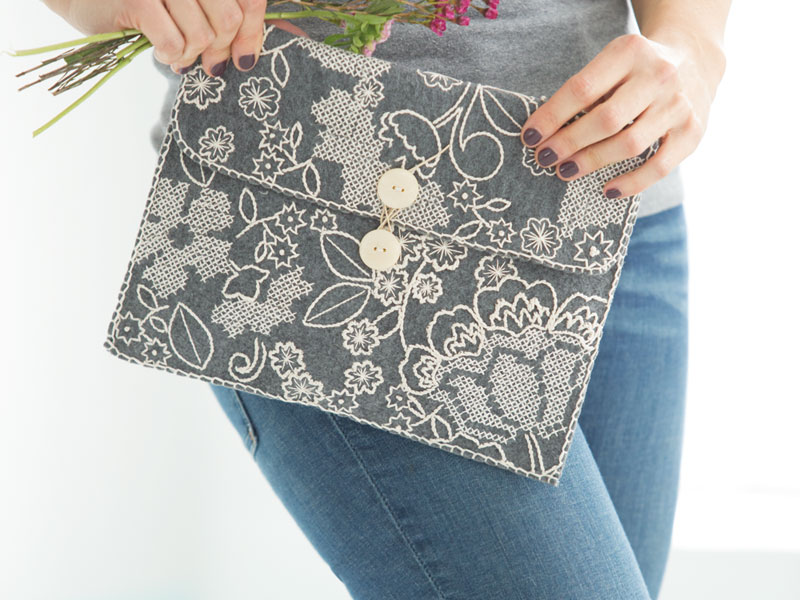 Create a Chic & Cozy Clutch